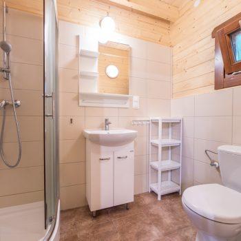 Łazienka domku piętrowego wolnostojącego